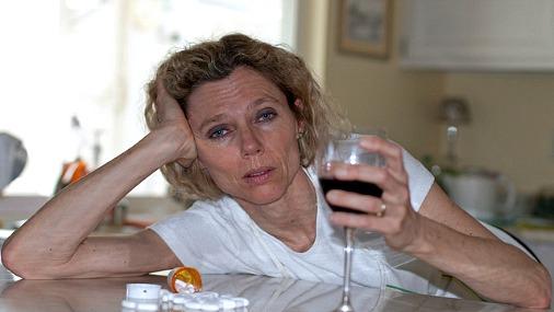 Говорит девушка которая лечится алкоголизма молодые американцы еще несколько десятилетий сильные препараты от алкоголизма